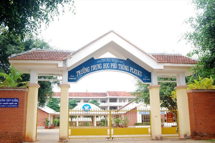 Gia Lai: Một học sinh lớp 11 bị đâm tử vong khi vừa tan học