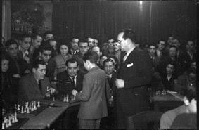 Simultáneas de Arturito Pomar en Lérida el 17 de abril de 1946 (8)