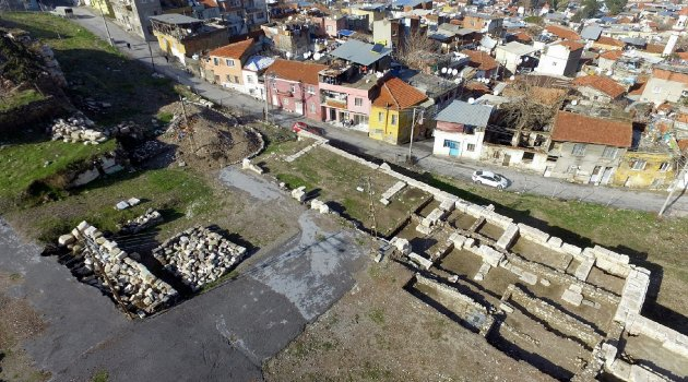 Expropriation works almost completed for theatre of ancient Smyrna