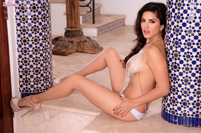 Sunny Leone Twistys Look On The Sunny Side XXX HQ Imageset Download