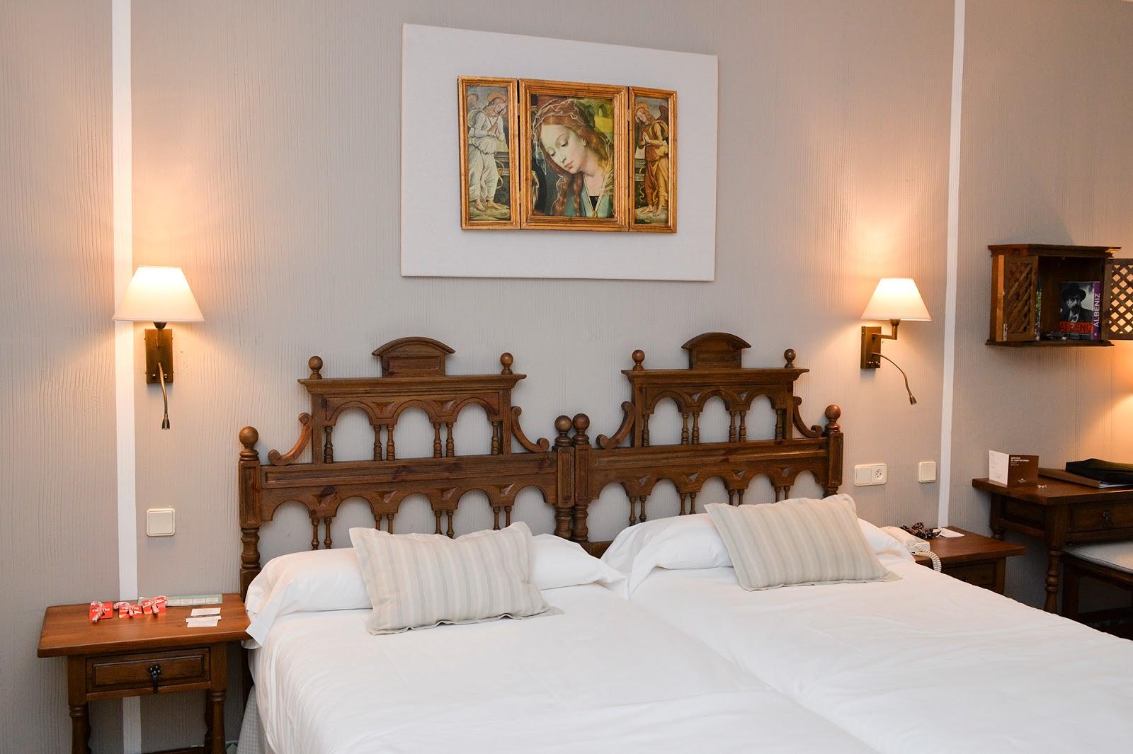 castillo parador sigüenza castle spain españa habitacion room