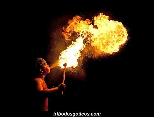 Jo Girardell fogo pela boca