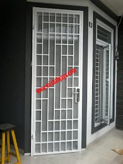 pintu kasanyamuk besi