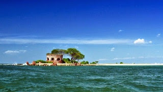tempat wisata di lampung pulau kubur