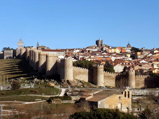 Recorrido por la muralla de Ávila