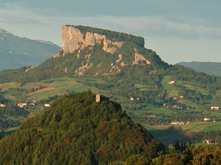 The Pietra of Bismantova dominates the surrounding area