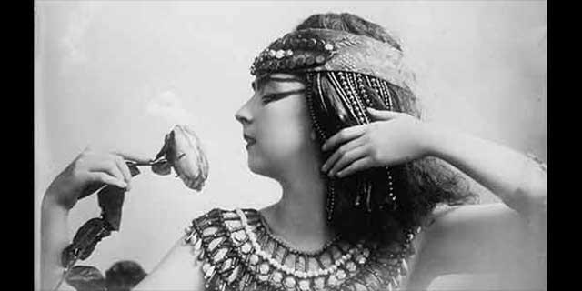 Cleopatra fashion