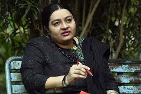 Deepa Jayakumar Family Husband Son Daughter Father Mother Age Height Biography Profile Wedding Photos