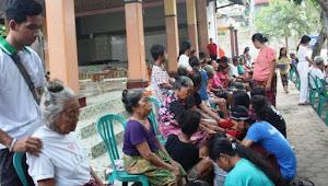 Tradisi Basuh Kaki, Cara Generasi Muda Buddha di Lombok Tunjukkan Bakti pada Orangtua