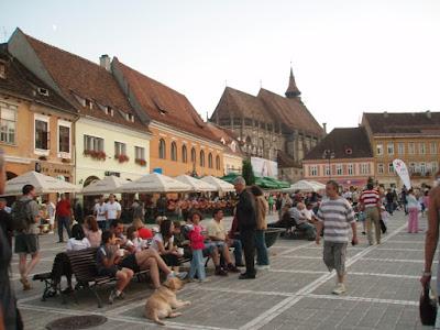 brasov-ciudad-medieval-en-rumania-los-montes-carpatos