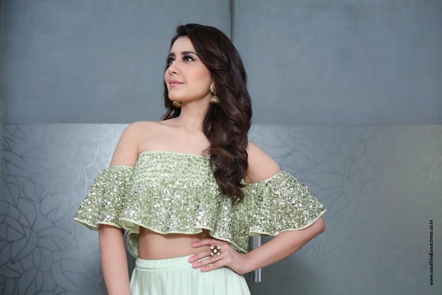 Raashi Khanna at Samantha wedding reception