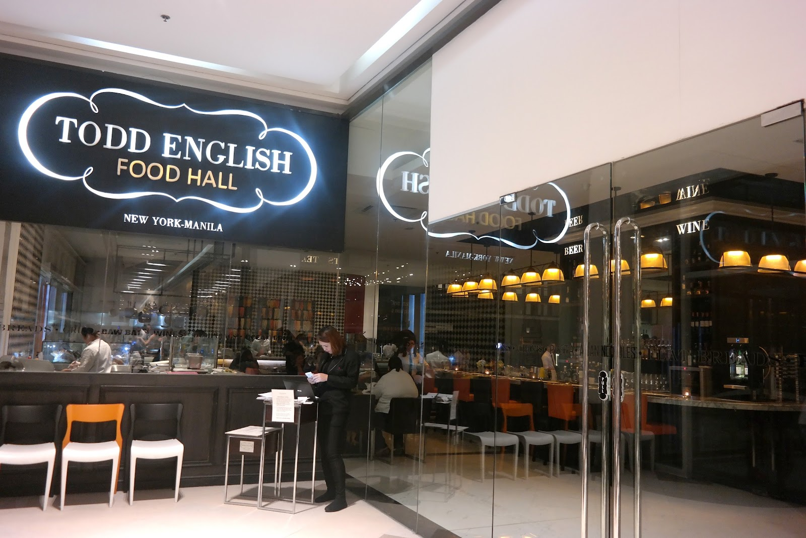 Todd English Food Hall Has Been Creating A Buzz Among Foos And Regular Restaurant Goers Since It Opened In 2017 Why Well For One S The First