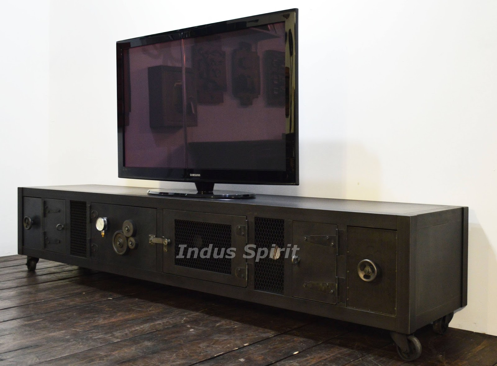 Meuble tv industriel xxl for Meuble tv indus