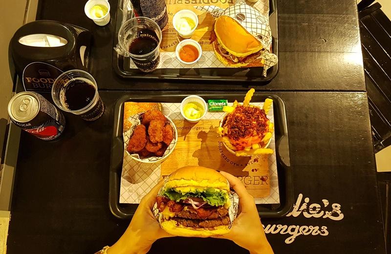 Foodies Burgers