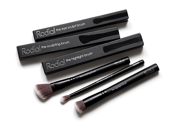 Rodial Makeup Highlighting Sculpting Eye Sculpt Brush Review Photos