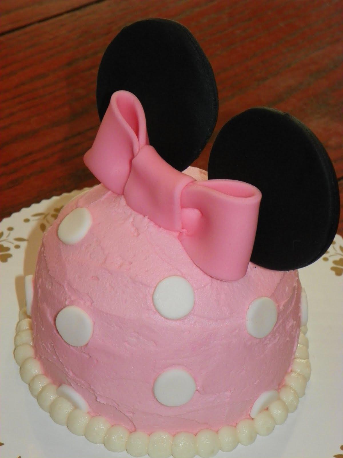 Plumeria Cake Studio Minnie Mouse Cupcakes And Mini Cake