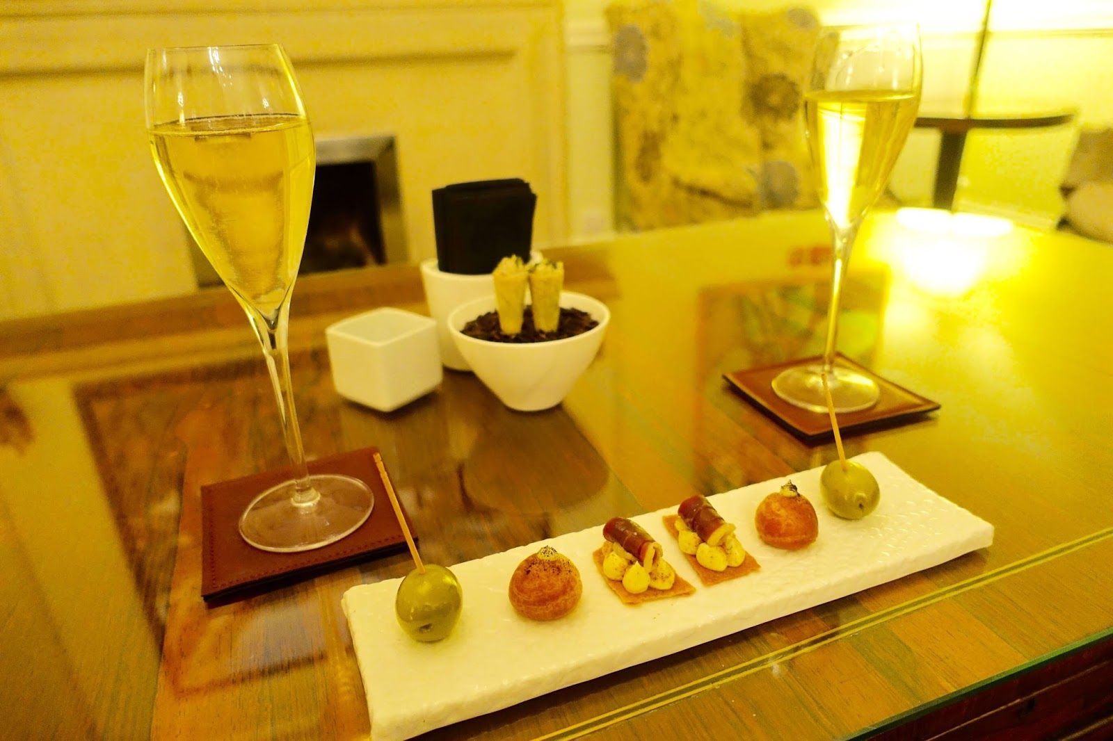 canapes and champagne at sudbury house hotel