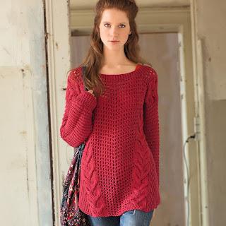 Красный джемпер в стиле оверсайз