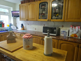 The Old Kitchen When it Looked Clean and Tidy!