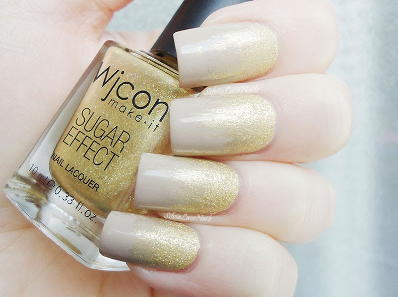 Glitter texture gradient in nude and gold