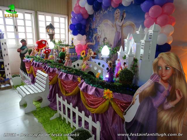 Decoração tema Princesa Rapunzel - Festa infantil - Aniversário - Mesa decorada na Barra RJ