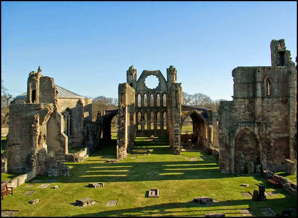 Elgin Cathedral: Magnificent cathedral's ruin in Scotland ...