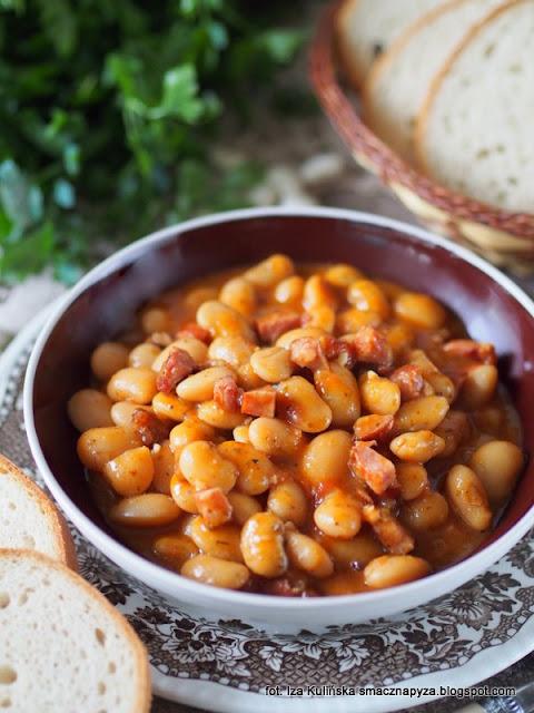 najlepsza fasolka po bretonsku, fasola w sosie pomidorowym, fasolka w pomidorach, fasola duszona, obiad, danie jednogarnkowe, jak zrobić najlepsza fasolke po bretonsku, smaczna pyza