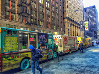 Taco lined up in Downtown Chicago