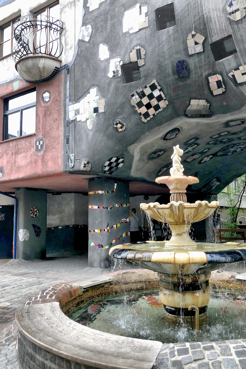 Springbrunner Hundertwasserhaus Wien