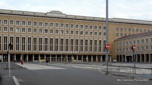 Terminal del antiguo Aeropuerto de Tempelhof (Berlín, Alemania)