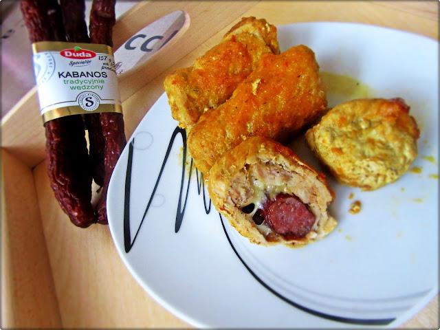 Rolada Wieprzowa z Kabanosem i Mozzarellą w Sosie Marchewkowo-Paprykowym
