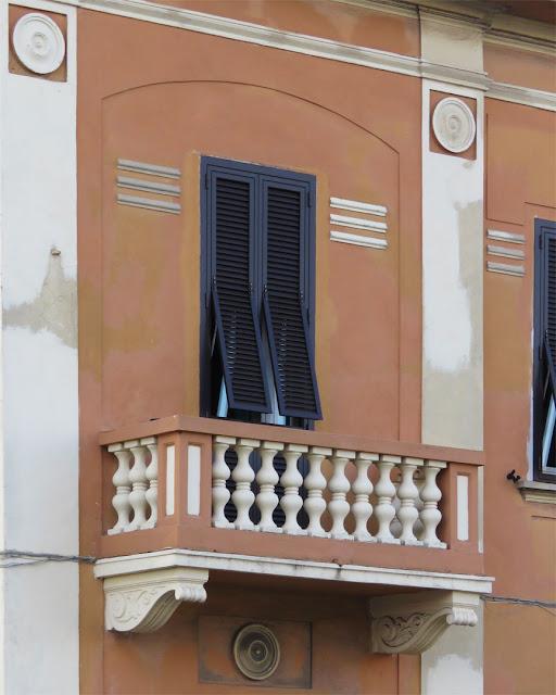 A balcony in Viale Petrarca, Livorno