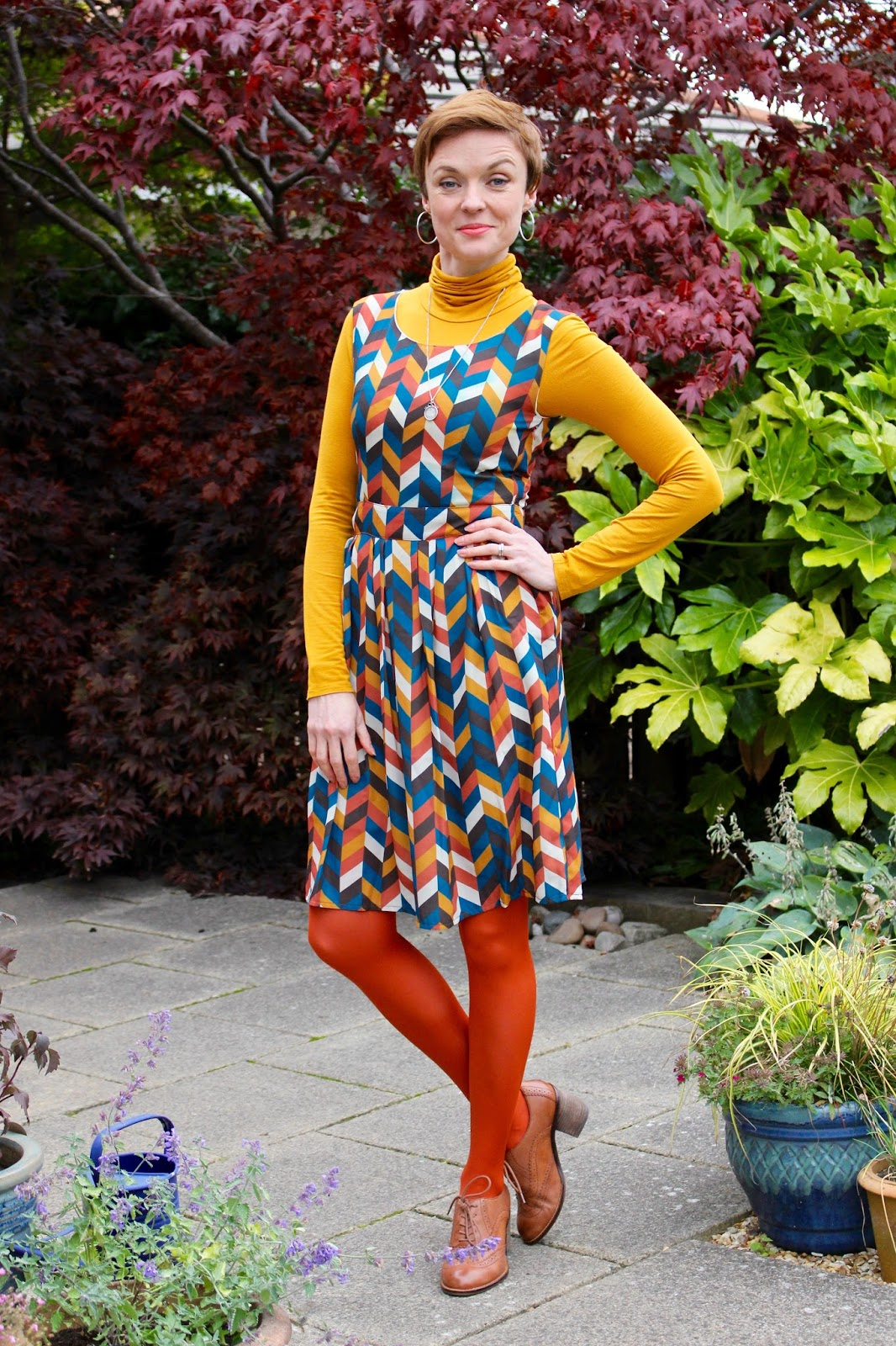 The 70's trend, mustard and rust | Fake Fabulous