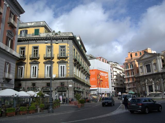 Neapol w marcu, jak zwiedzać, co zobaczyć?