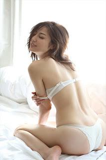Foto-Model-Sexy-Yumi-Sugimoto-9