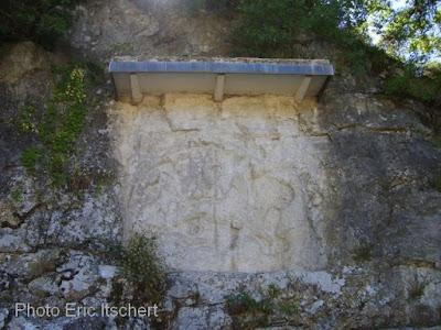 dieux, Mithra, taureau, serpent, corbeau, Martin Vermaseren, mythologie, Rois mages, mages, Bourg Saint Andéol, bas relief
