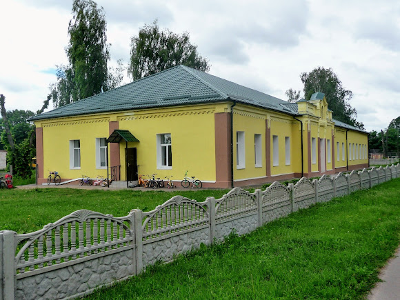 Батурин. Дитячий садок на вул. Віктора Ющенка