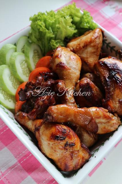 Nasi Ayam Istimewa Azie Kitchen