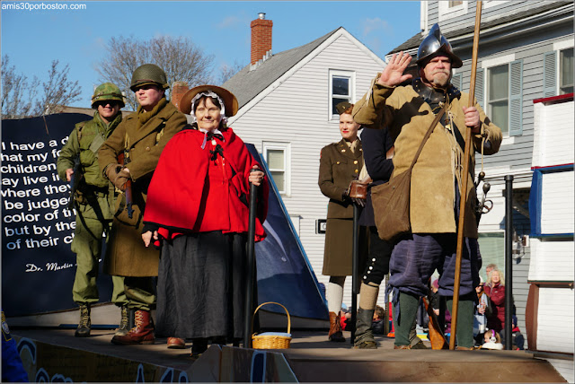 Militares del Desfile de Acción de Gracias de Plymouth
