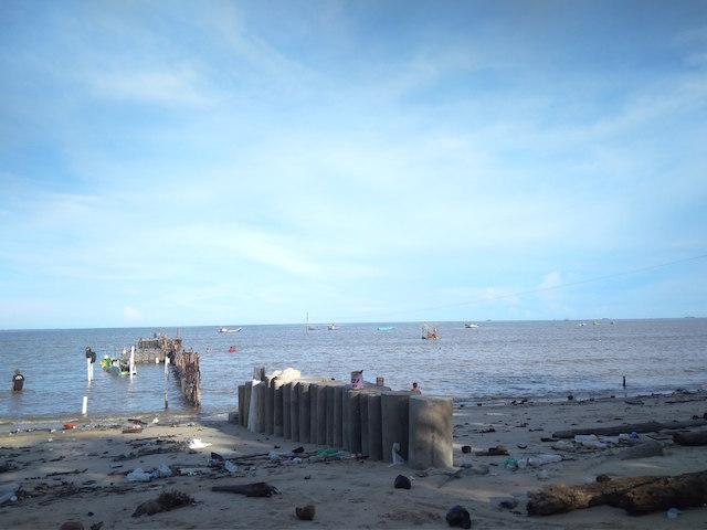 Pantai Binalatung