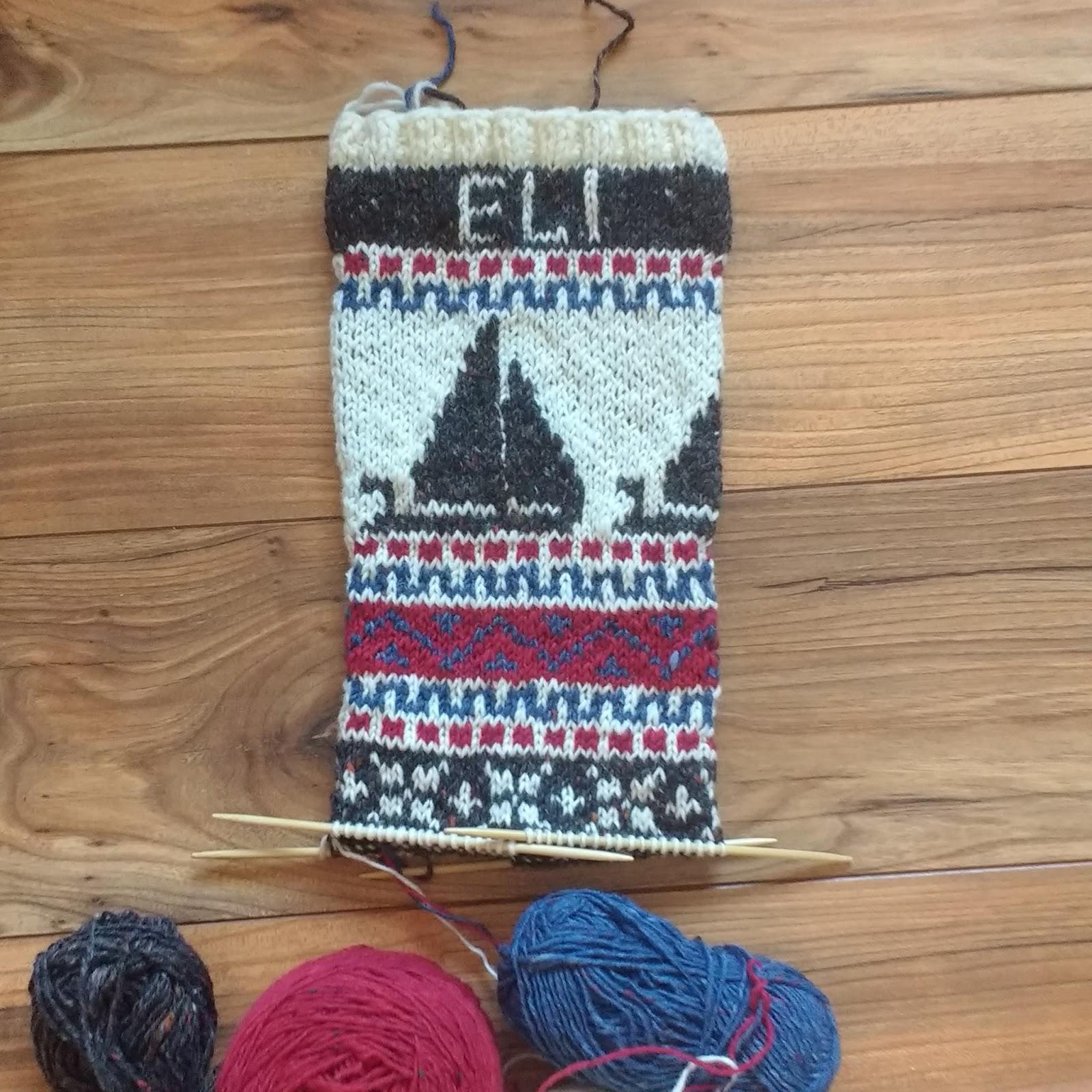 Gigi82Knits: Sail Boats on a Christmas Stocking