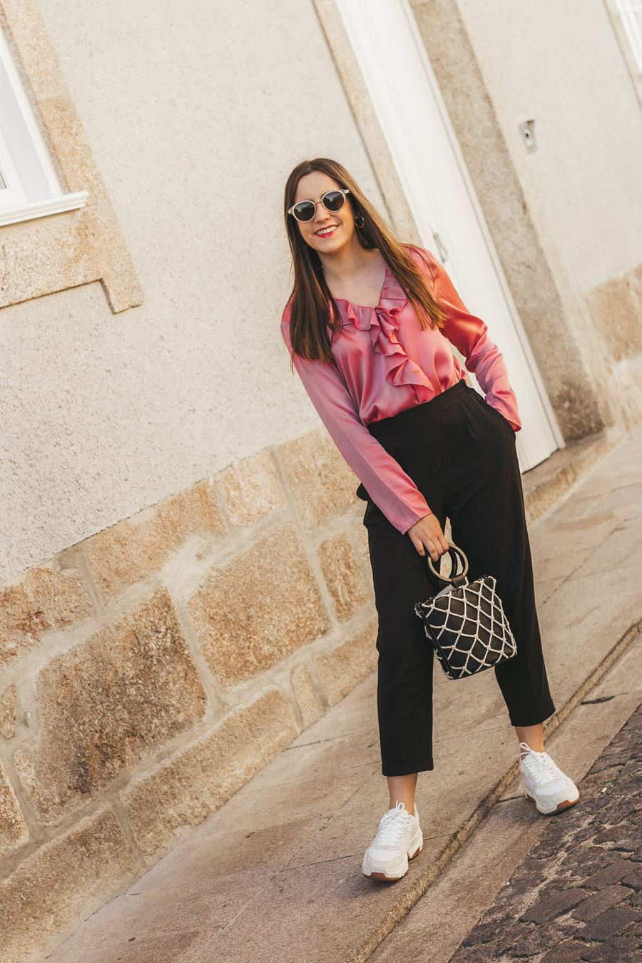 outfit pink body paper pants bucket bag chunky sneakers