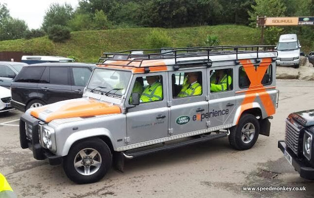 Speedmonkey Spotted 12 Seat Llwb Land Rover Defender