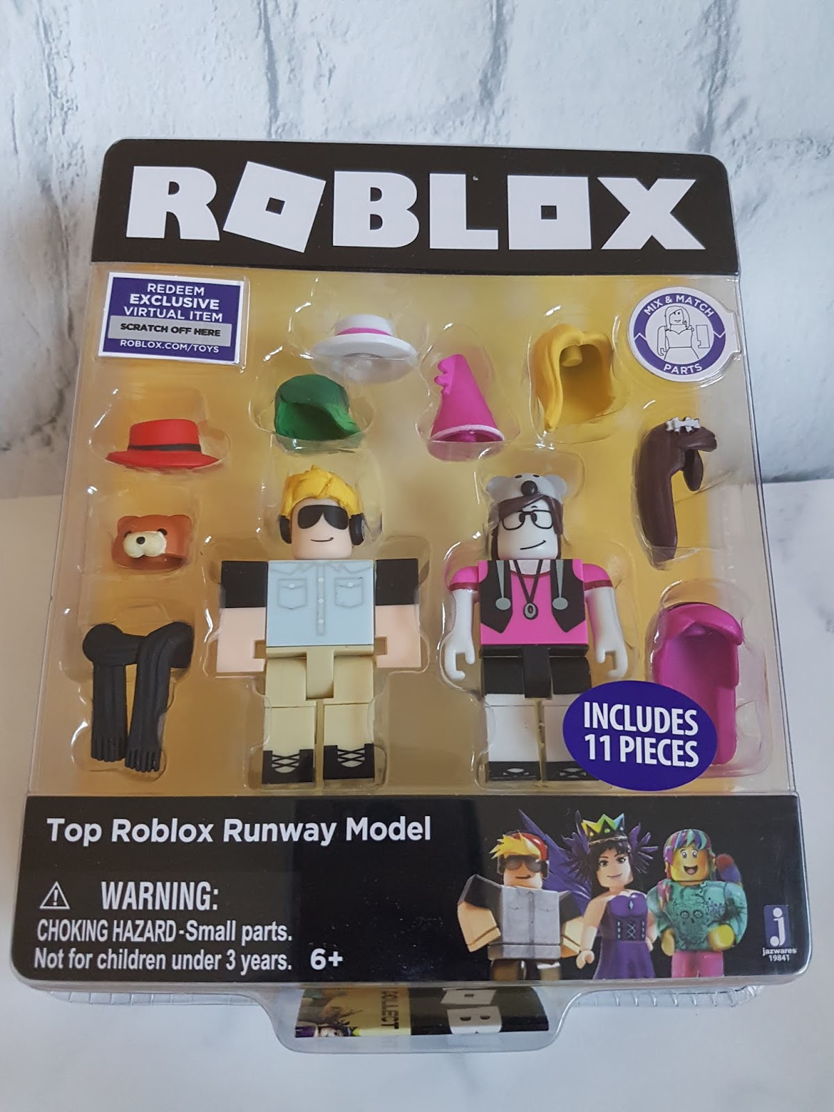 Merlin B Roblox Mummy Of 3 Diaries Roblox Celebrity Series 1 Review