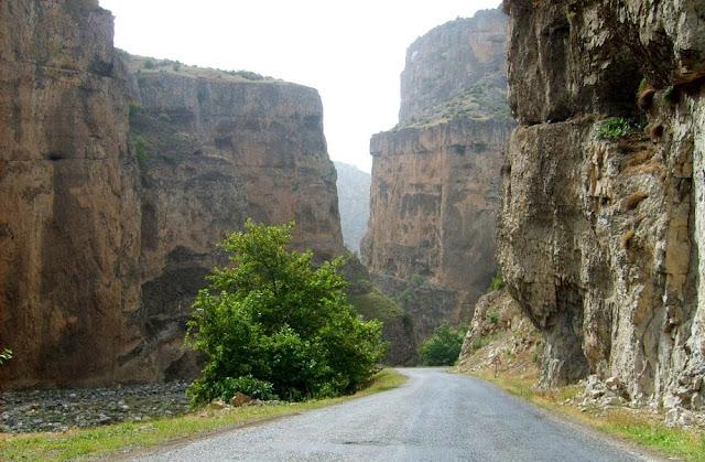 Cehennem Deresi Canyon road