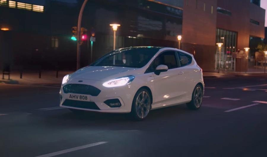 Canzone Pubblicità della Ford Fiesta 2017 con attrice e attore