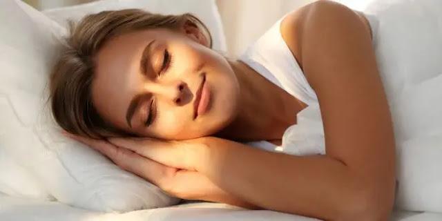 7 خطوات أساسية لتحافظي على جمالك قبل النوم