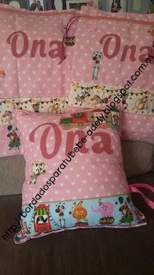 Conjunto Guardería. Cojín y bolsas con nombre en patchwork.