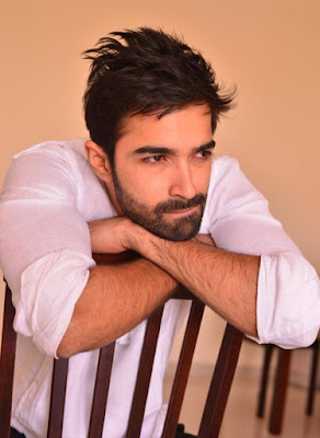 Jalebi Actor Varun Mitra Biography, Jalebi Actor Varun Mitra Images, Looks