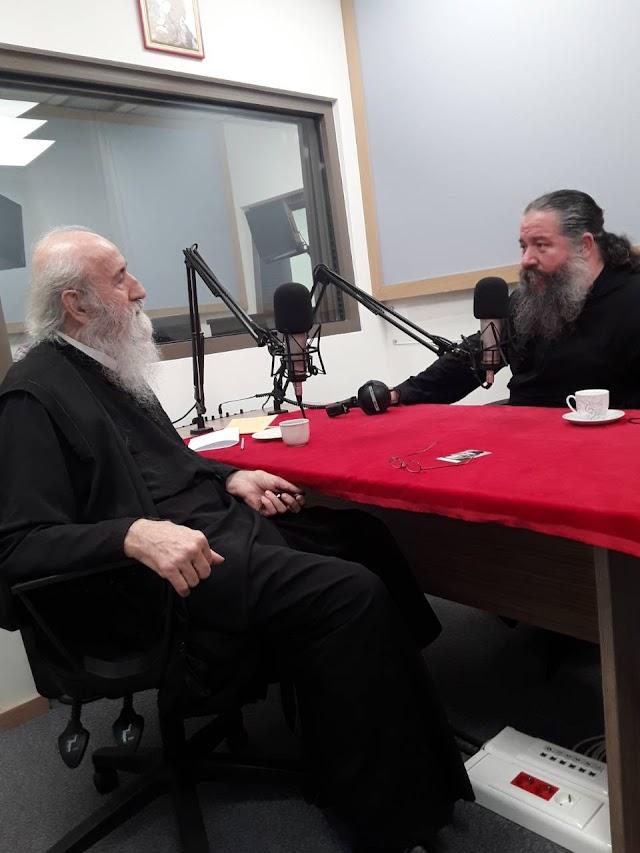 Ο π. Γεώργιος Σχοινάς καλεσμένος στην εκπομπή «Μαζί με τους γονείς»